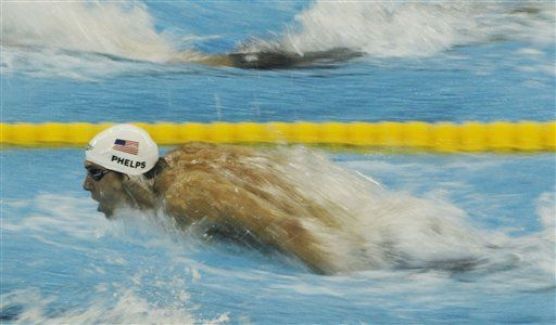 Phelps se clasifica 11mo para 200 metros mariposa