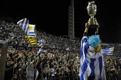América: Celestes dan vuelta olímpica en el Centenario