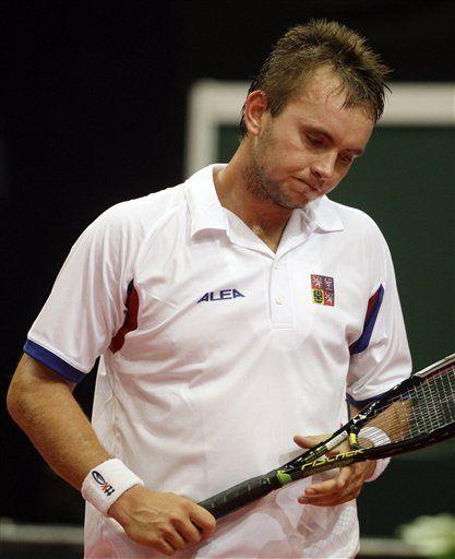 Tenista checo Ivo Minar suspendido por 8 meses