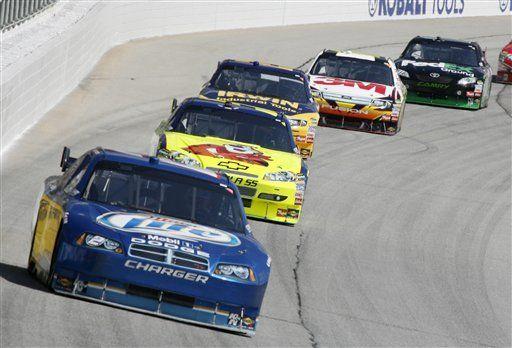 Busch se impone en carrera NASCAR de Atlanta
