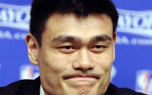 Yao Ming se retira del baloncesto