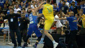 Trece jugadores suspendidos por la pelea multitudinaria en el Filipinas-Australia