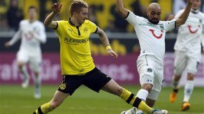 Schalke vence a Wolfsburgo; peruano Farfán anota