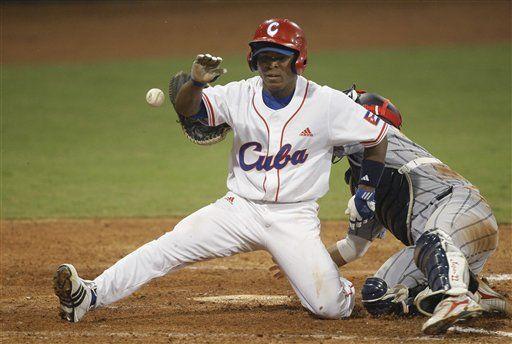 Cuba vence a Japón en inicio torneo de béisbol olímpico