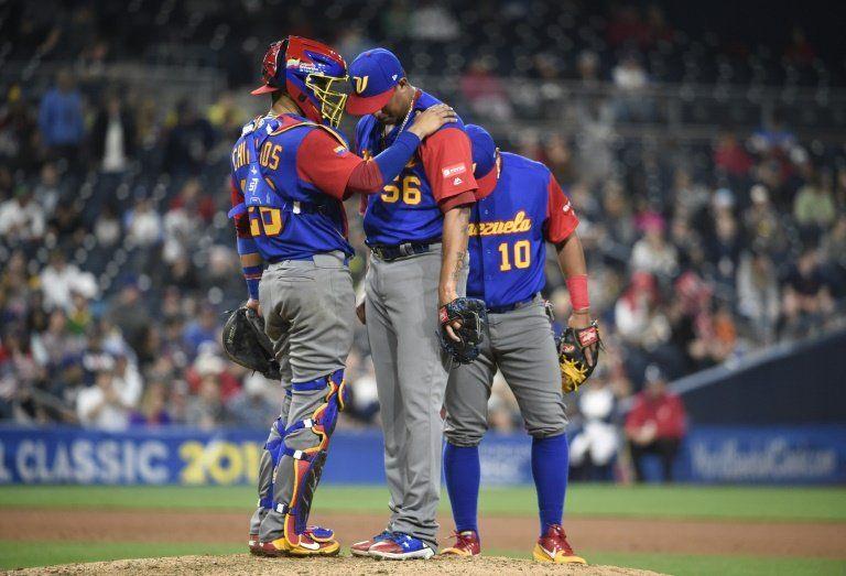 EEUU viene de atrás y a jonrón limpio gana a Venezuela en Clásico Mundial