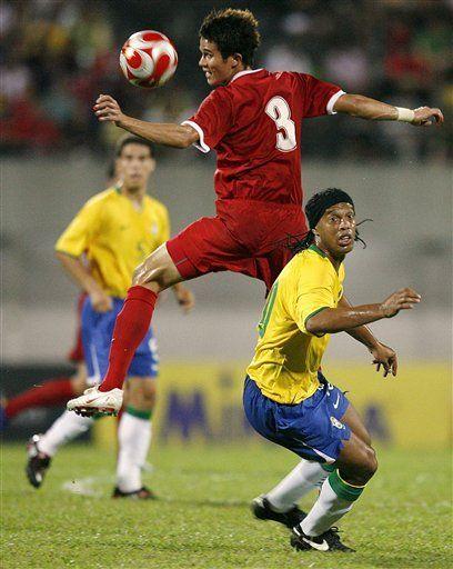 Brasil golea 3-0 a Singapur en amistoso