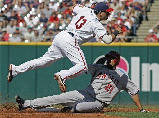 MLB: Angelinos 4, Indios 3