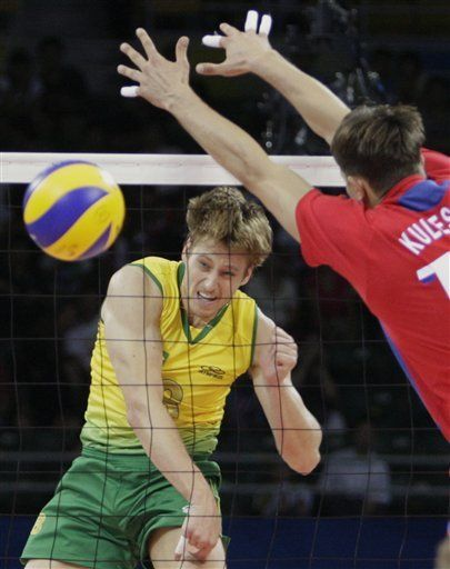Rusia sorprende a Brasil en vóleibol masculino