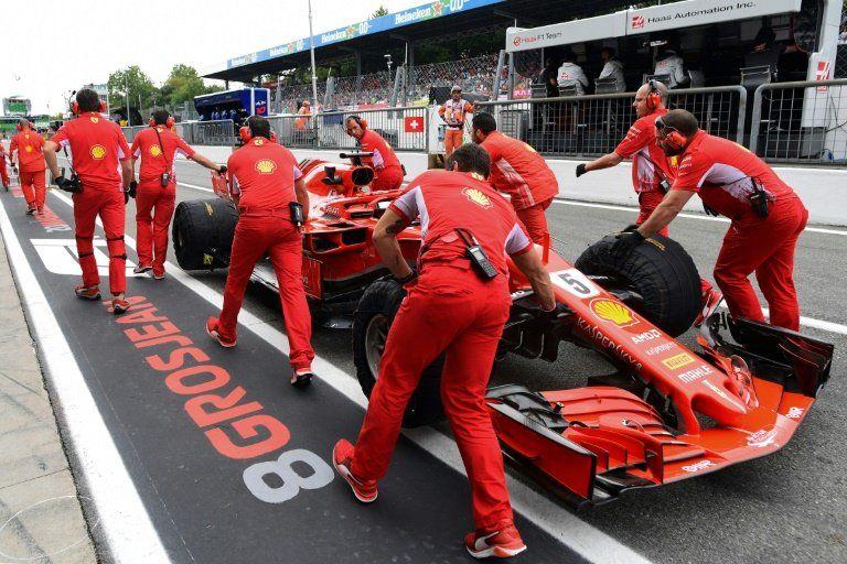 Vettel logra mejor tiempo en segundos libres antes de salirse de la pista