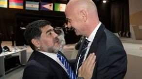Maradona: Sampaoli dejó al Sevilla en la puerta del cementerio