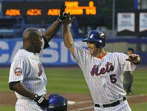 Delgado acepta ovación por gran actuación en triunfo de Mets