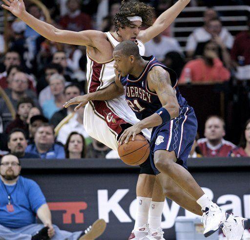 NBA: Cavaliers 98, Nets 87; Varejao mete 16