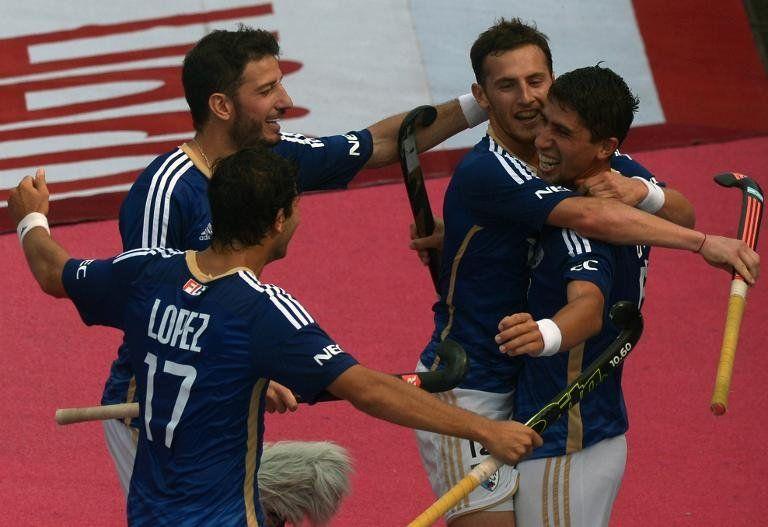 Argentina sorprende 3-0 a Alemania en Champions Trophy de hockey