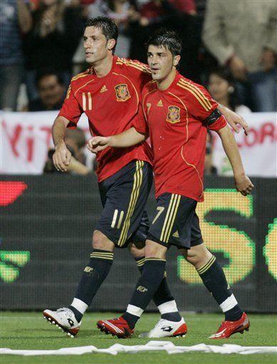 España derrota por 2-1 a Perú en amistoso
