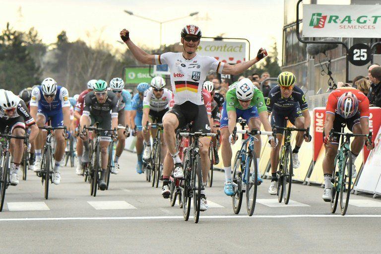 Greipel gana la quinta etapa de la París-Niza, Alaphilippe sigue líder