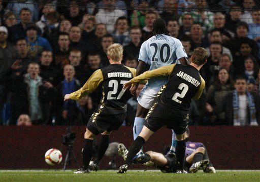 UEFA: Caicedo anota y Manchester City vence 2-0 al Aalborg