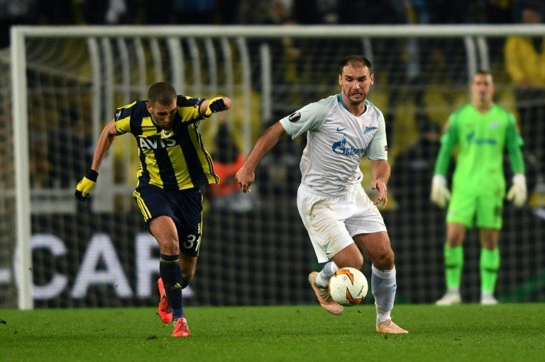 Fenerbahçe toma ventaja ante el Zenit en dieciseisavos de Europa League