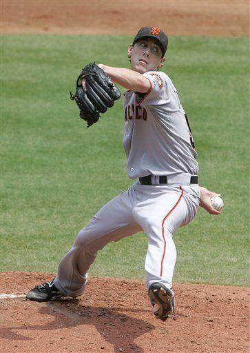 MLB: Gigantes 3, Bravos 1; triunfo de Lincecum