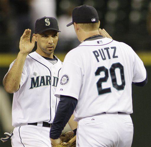 MLB: Marineros 8, Mellizos 7; Ibáñez incontenible