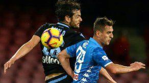 Nápoles mete presión a la Juventus en jornada histórica para Colombia