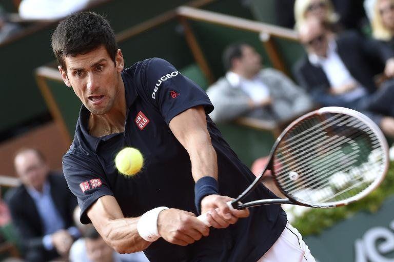 Djokovic vence a Raonic y alcanza las semifinales de Roland Garros