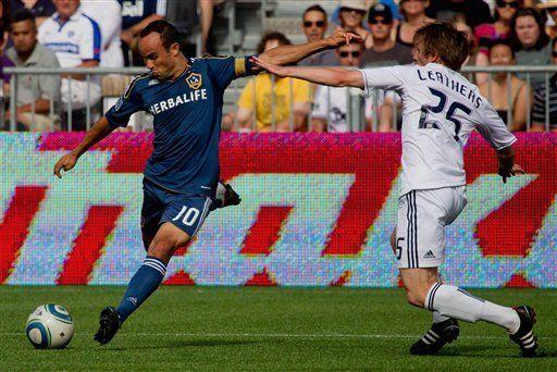 Galaxy golea 4-0 a Whitecaps con dos goles de Donovan