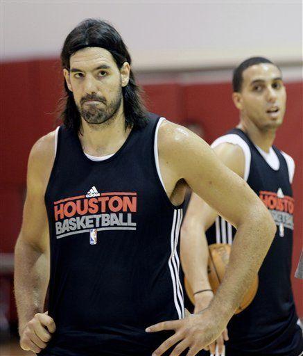 Scola vuelve a entrenar con los Rockets en una situación incómoda