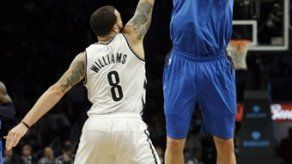 Mavericks ganan de visita a los Nets