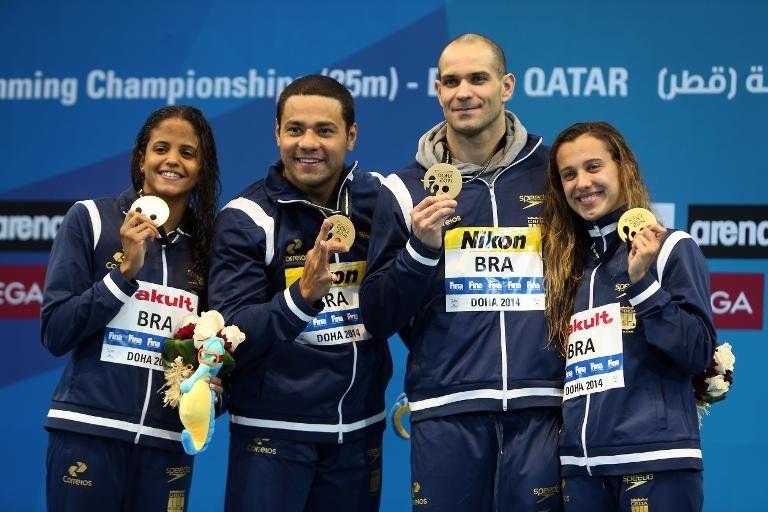 El brasileño Santos, plata mundial en 50 m mariposa en piscina corta
