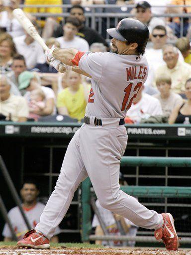 MLB: Cardenales 11, Piratas 6; Miles remolca cinco