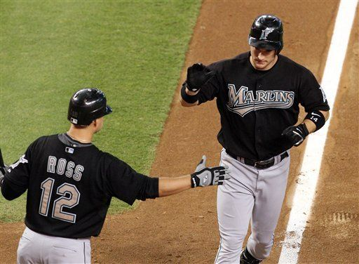 MLB: Marlins 5, Diamondbacks 2