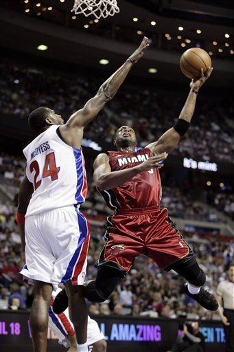 NBA: Heat 101, Pistons 96; Wade lleva a Miami al triunfo