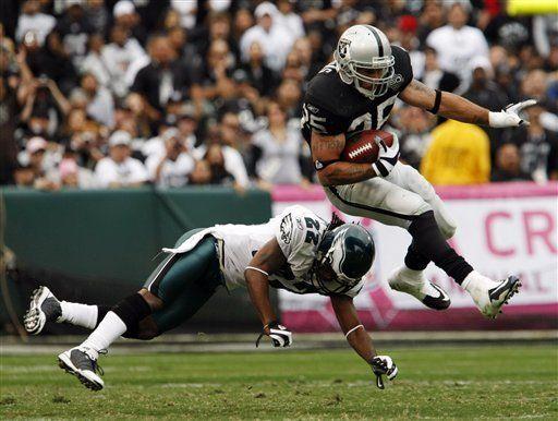 NFL: Raiders 13, Eagles 9