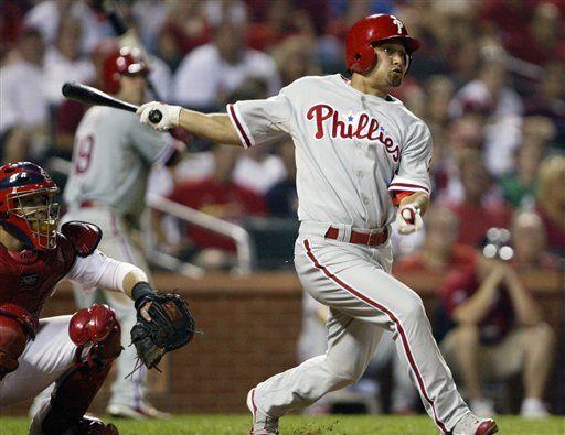 MLB: Filis 5, Cardenales 4; Victorino pega jonrón de 3 carreras