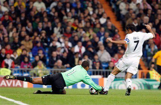 Milan protege a Dida tras su grave error contra Real Madrid