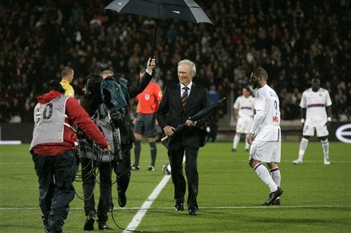 Francia: Lyon sufre su primera derrota, pero sigue líder