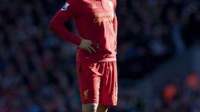 Liverpool multa a Luis Suárez por morder a rival