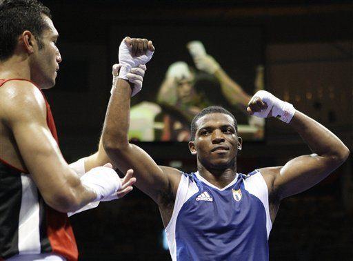 Dominicana y Cuba aseguraron bronces en boxeo