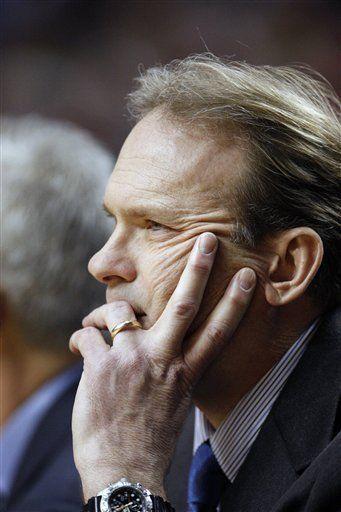 Timberwolves despiden a entrenador Kurt Rambis
