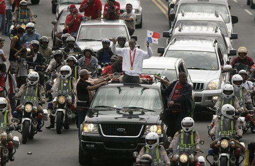 Multitud sale a las calles a recibir a Saladino en Panamá