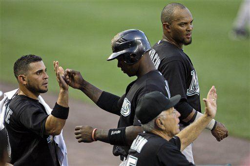 MLB: Marlins 11, Nacionales 2; Dobbs remolca 5