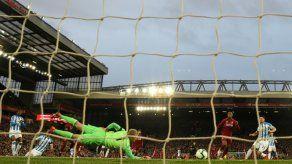 Liverpool aplasta 5-0 al colista y vuelve al liderato