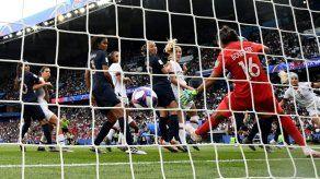 Rapinoe permite a EEUU dar un paso importante hacia su cuarto título