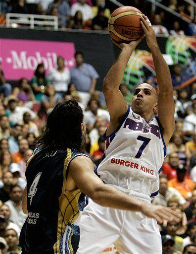 Heat contrata al puertorriqueño Carlos Arroyo