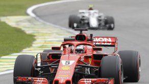 Hamilton supera a Vettel y gana la pole en Brasil