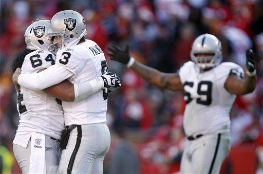 NFL: Raiders 16, Chiefs 13, tiempo extra; Oakland sigue vivo