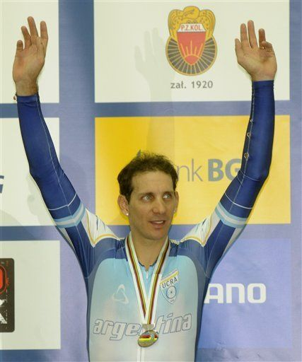 Colla gana plata en el scratch del mundial de ciclismo