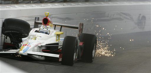 Domínguez choca en prácticas de 500 millas de Indianápolis