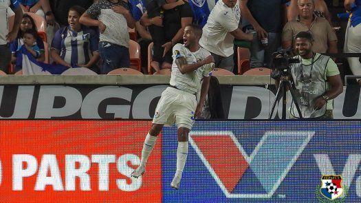 César Yanis anotó un golazo para Panamá en la Copa Oro 2021