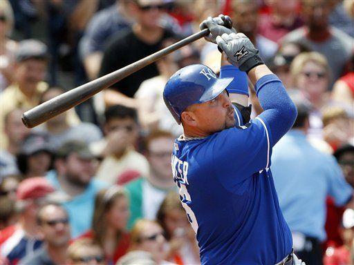MLB: Reales 4, Medias Rojas 3; Butler batea jonrón de 3 carreras